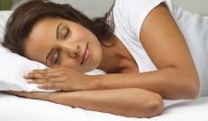 Valget aega on nüüd järjest vähem ja väsimus ning unisus on kerged tulema. Eks sügisel ja talvel veedetakse ka suurem osa ajast tubastes tingimuste. Seetõttu on vaja une kvaliteeti tõsta, et ka praegusel aastaajal reipana püsida.