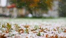 Selle nädala ilm on märgatavalt jahedam. Öösiti langeb õhutemperatuur aegajalt alla 0°C, sajuhooge tuleb nii vihma kui lörtsina, sisemaal vahetevahel ka lumena.